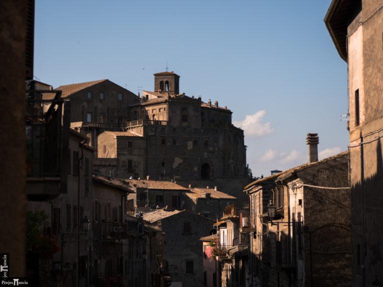 L'antica ala di Palazzo Orsini ed il Rione Dentro